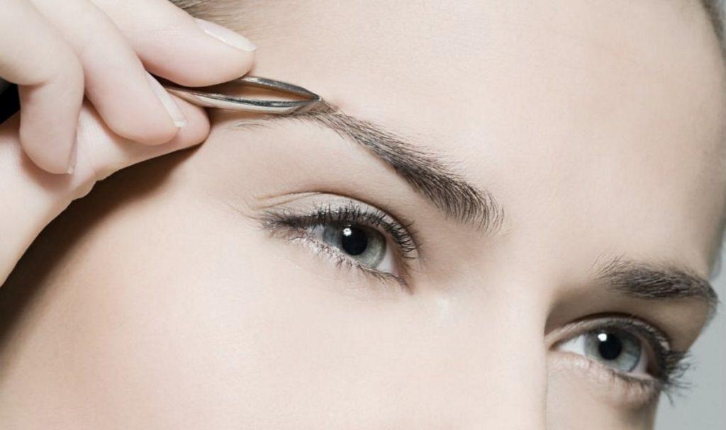 روش های رفع موهای زائد با استفاده از موچین